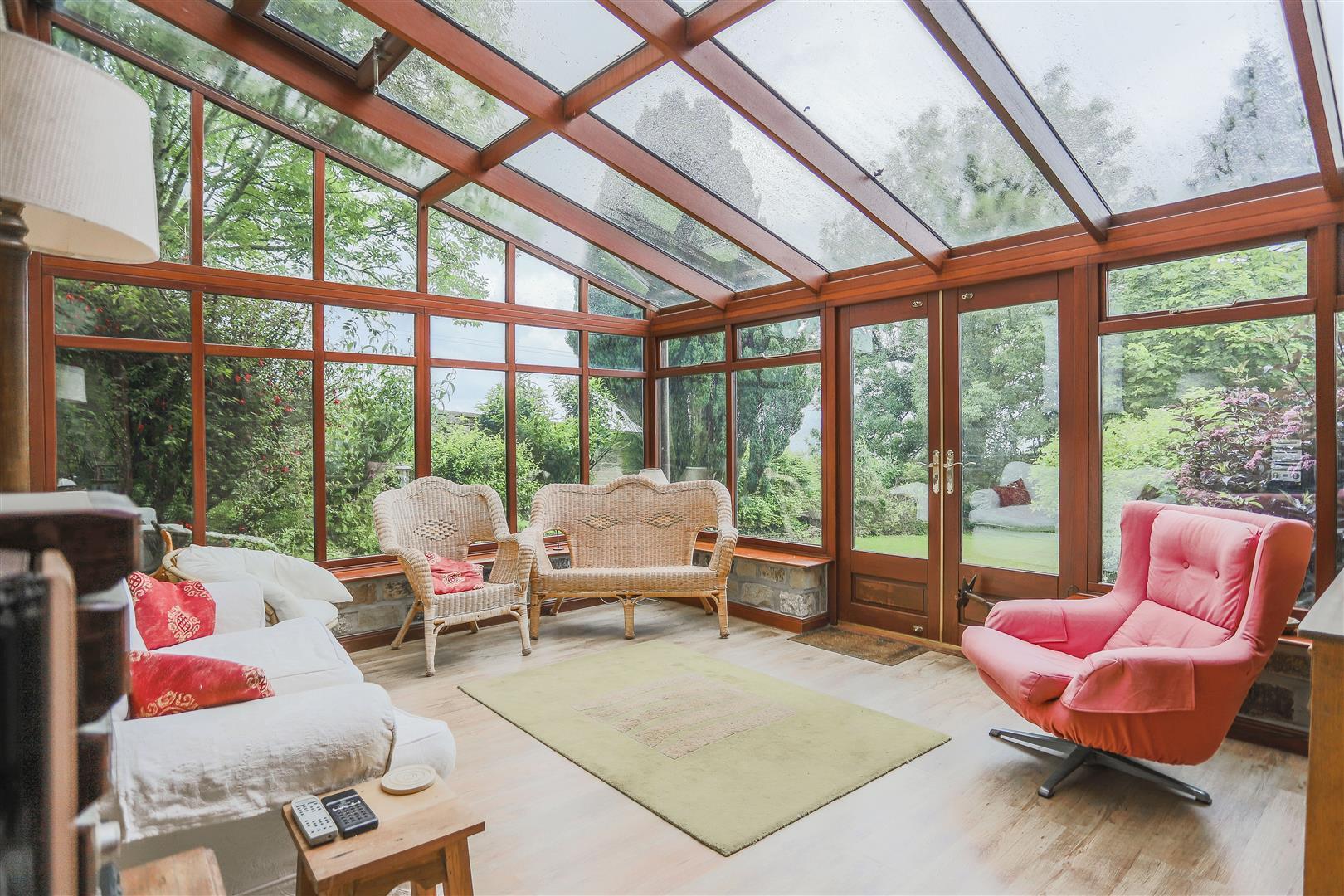 6 Bedroom Detached House For Sale - 6.JPG
